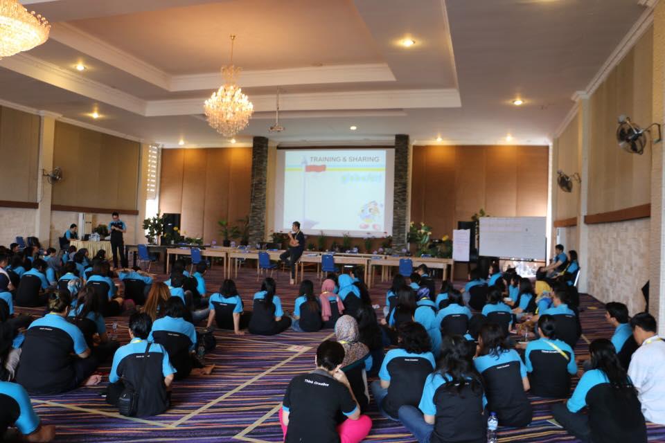 Global Art - Customer Service Seminar